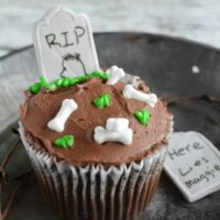 RIP Tombstone Cupcakes