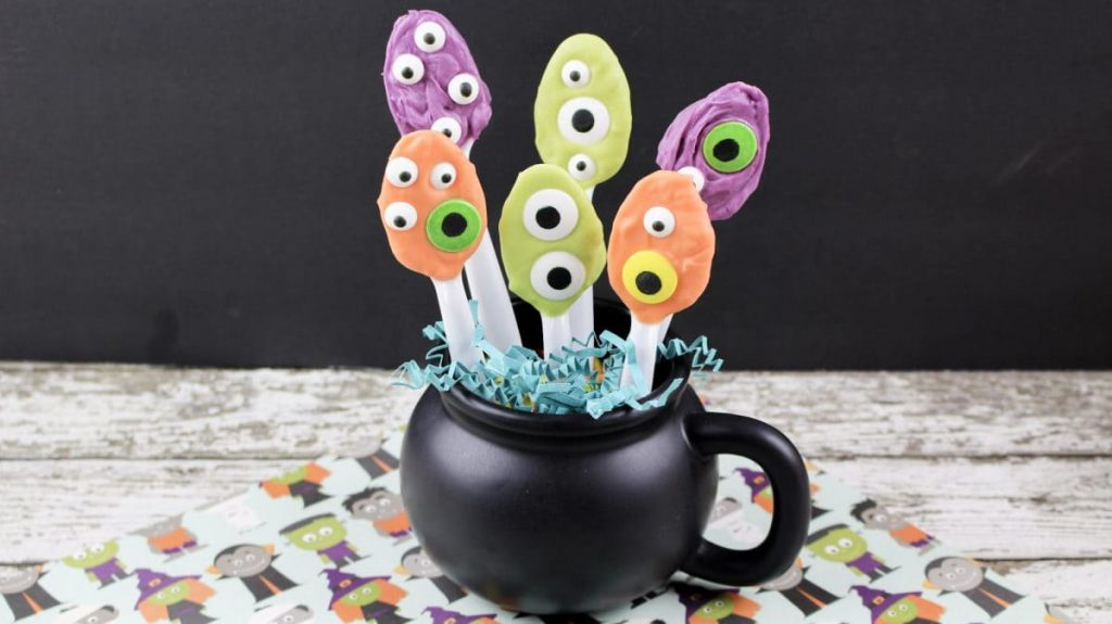 Easy Halloween Chocolate Covered Spoons with Monster Eyes