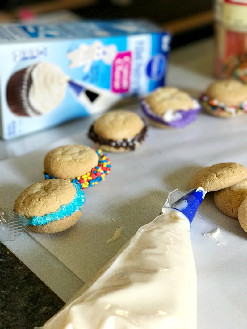 Pillsbury Filled Pastry Bags make cookie sandwiches easy